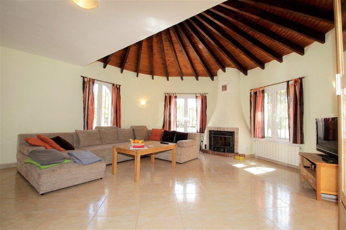 Villa zum Verkauf in Benissa, wenige Gehminuten zum Strand.
