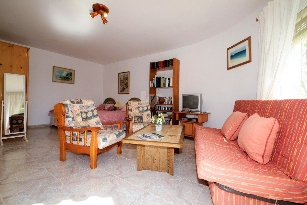 Freistehende Villa zum Verkauf in Moraira, in der Nähe Annehmlichkeiten.
