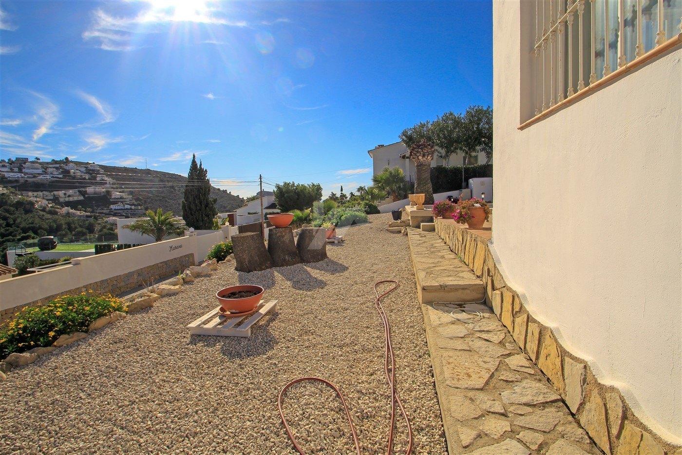 Villa mit Meerblick zum verkauf in Moraira, Costa Blanca.