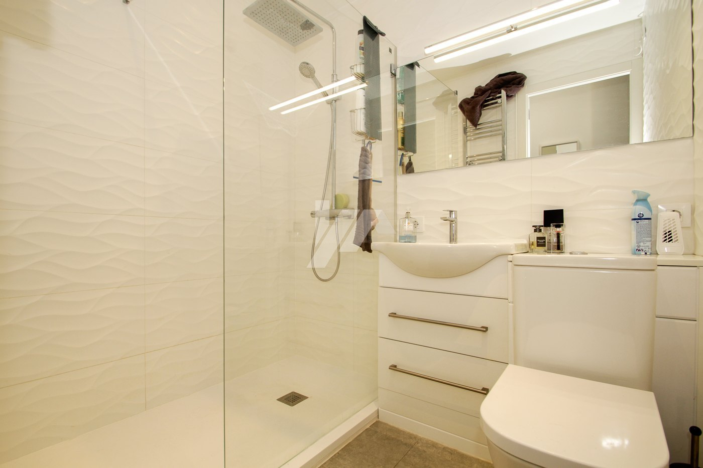 Luxus-Meerblick-Wohnung zum Verkauf im Zentrum von Moraira.
